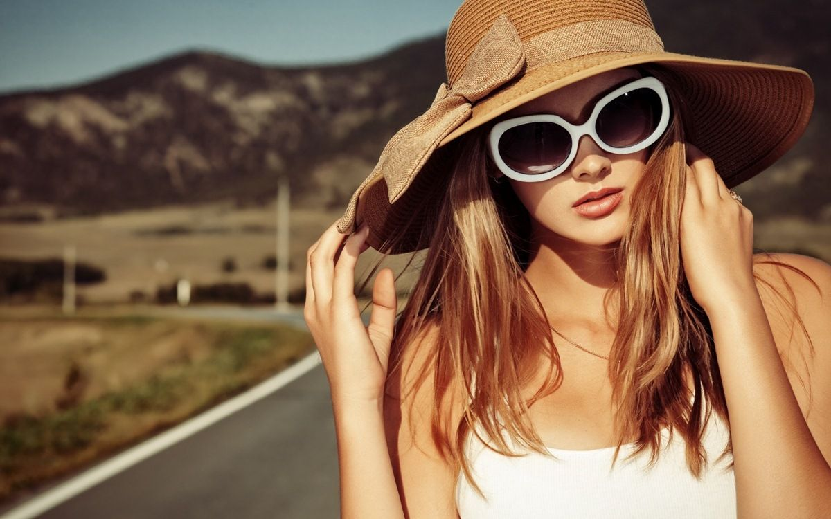 Buying Sunglasses https://www.searchub.com/blog/the-ultimate-guide-to-buying-sunglasses/