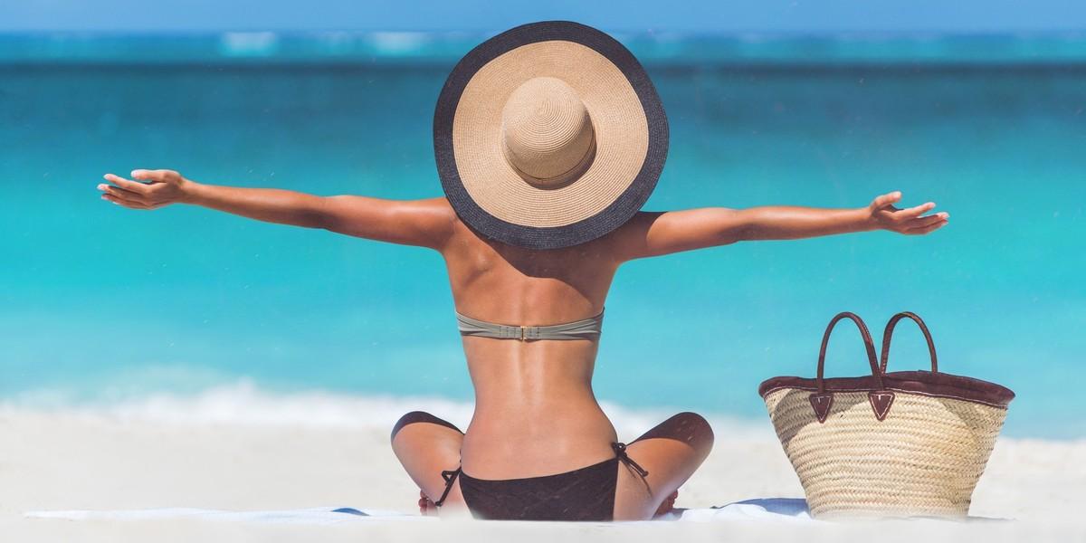 Swimwear-www.searchub.com