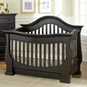 Cribs & crib set